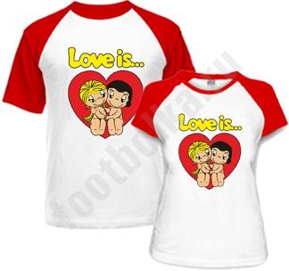 Парные футболки Love is в сердце комбинированные