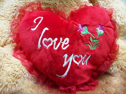 d4105b3a0b56b Новости - Сердце в подарок при покупке парных футболок для влюбленных