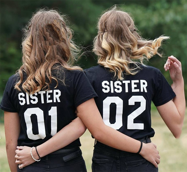 "Парные футболки для двух сестер ""Sister 01, Sister 02"""