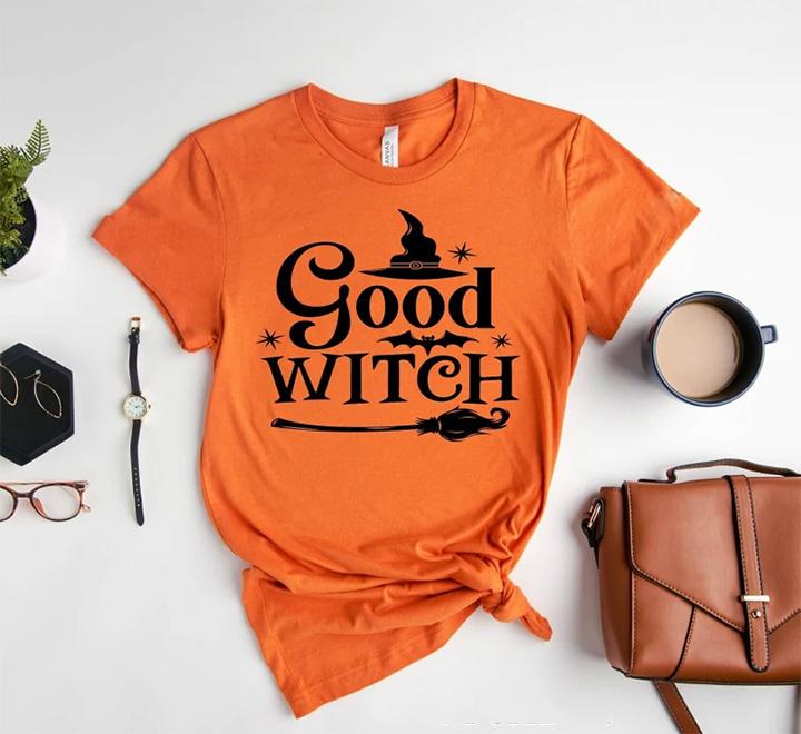 Футболка оранжевая Good Witch