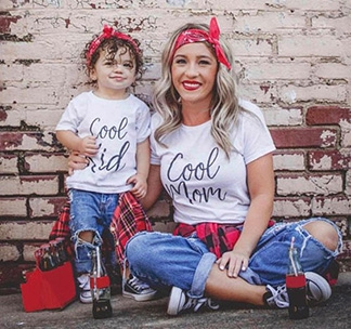 """Футболки для мамы и ребенка """"Cool mom, Cool kid"""""""