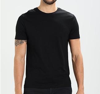 """Мужская черная футболка"""